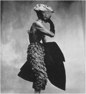 Vestido Balenciaga por Irving Penn